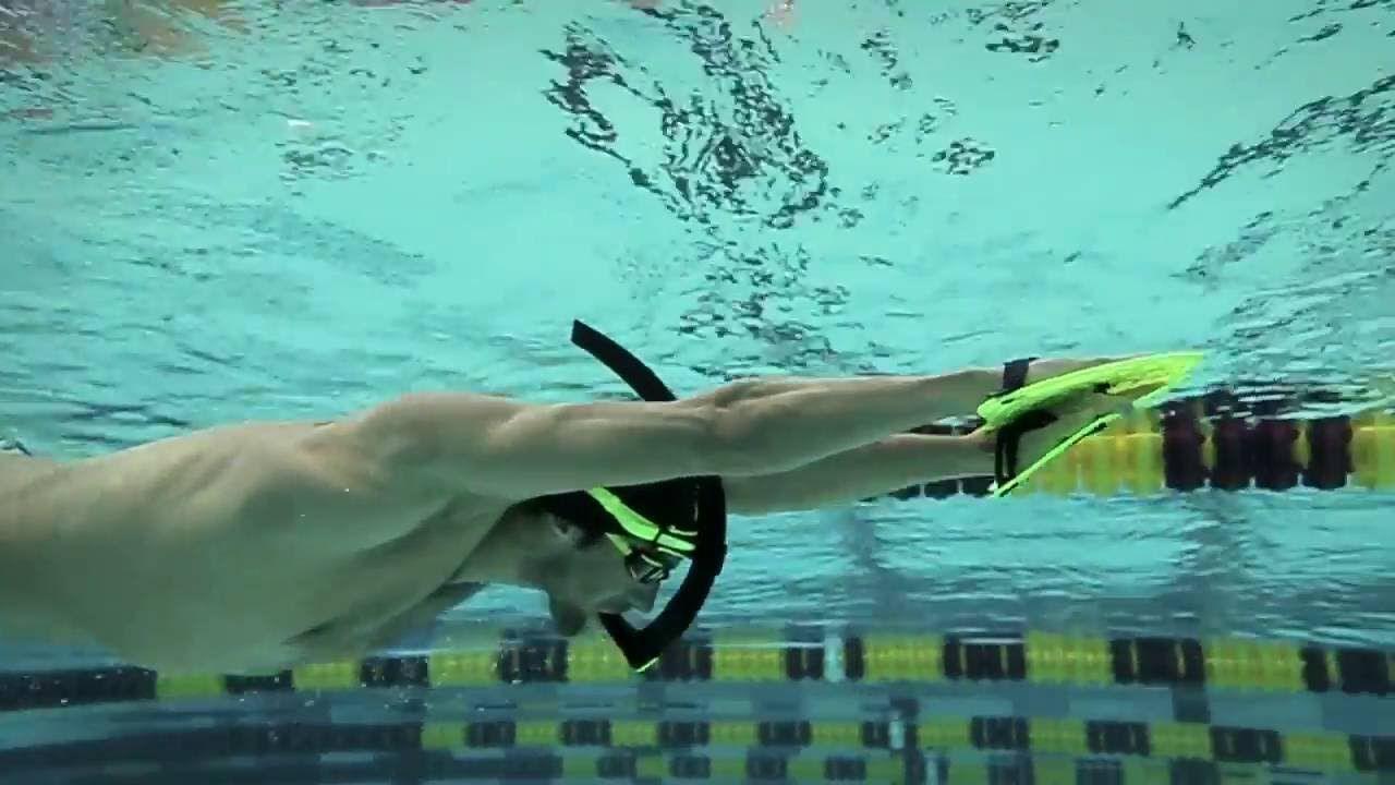 Mp Michael Phelps Swim Tips With Bob Bowman Training With Paddles E Swimming Michael Phelps Learn To Swim