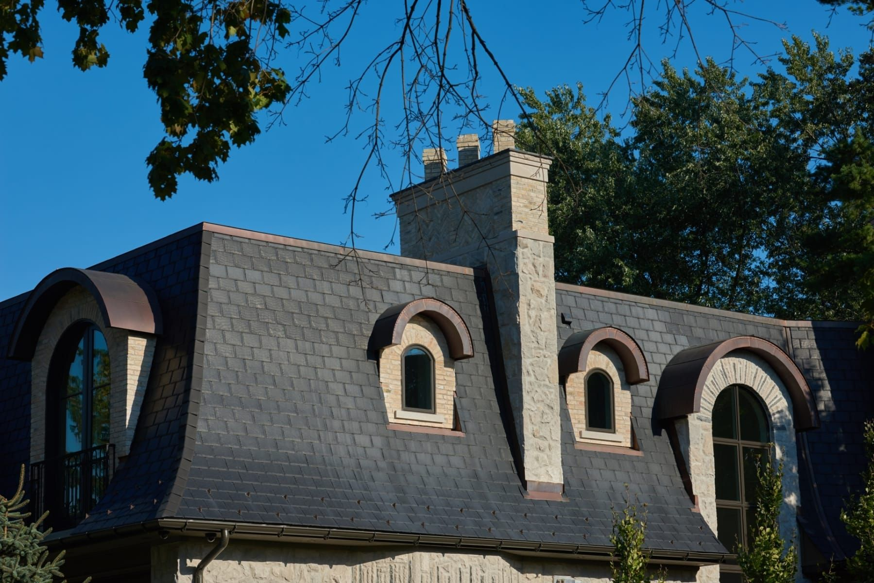 Best Synthetic Slate Roofing Shingles By Modern Slate House 400 x 300