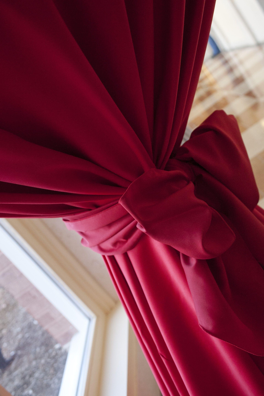 Northern Virginia Rental Linen  www.everything-linen.com Stephanie Leigh Photography & Design #novaweddings #hotpinklinen #hitops