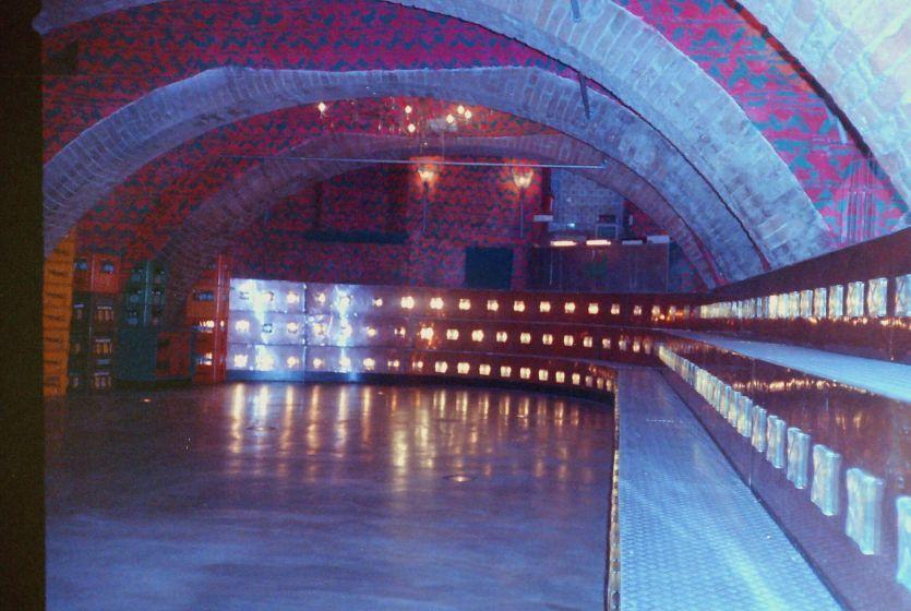 Gallery: Discotheek Fellini, Utrecht, interieur | nostalgie | Pinterest