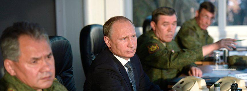 Intervention in Syrien: Putin zieht das Tarnnetz weg  Von Benjamin Bidder, Matthias Gebauer und Raniah Salloum  Russland: Kreml plant Lunftangriffe in Syrien