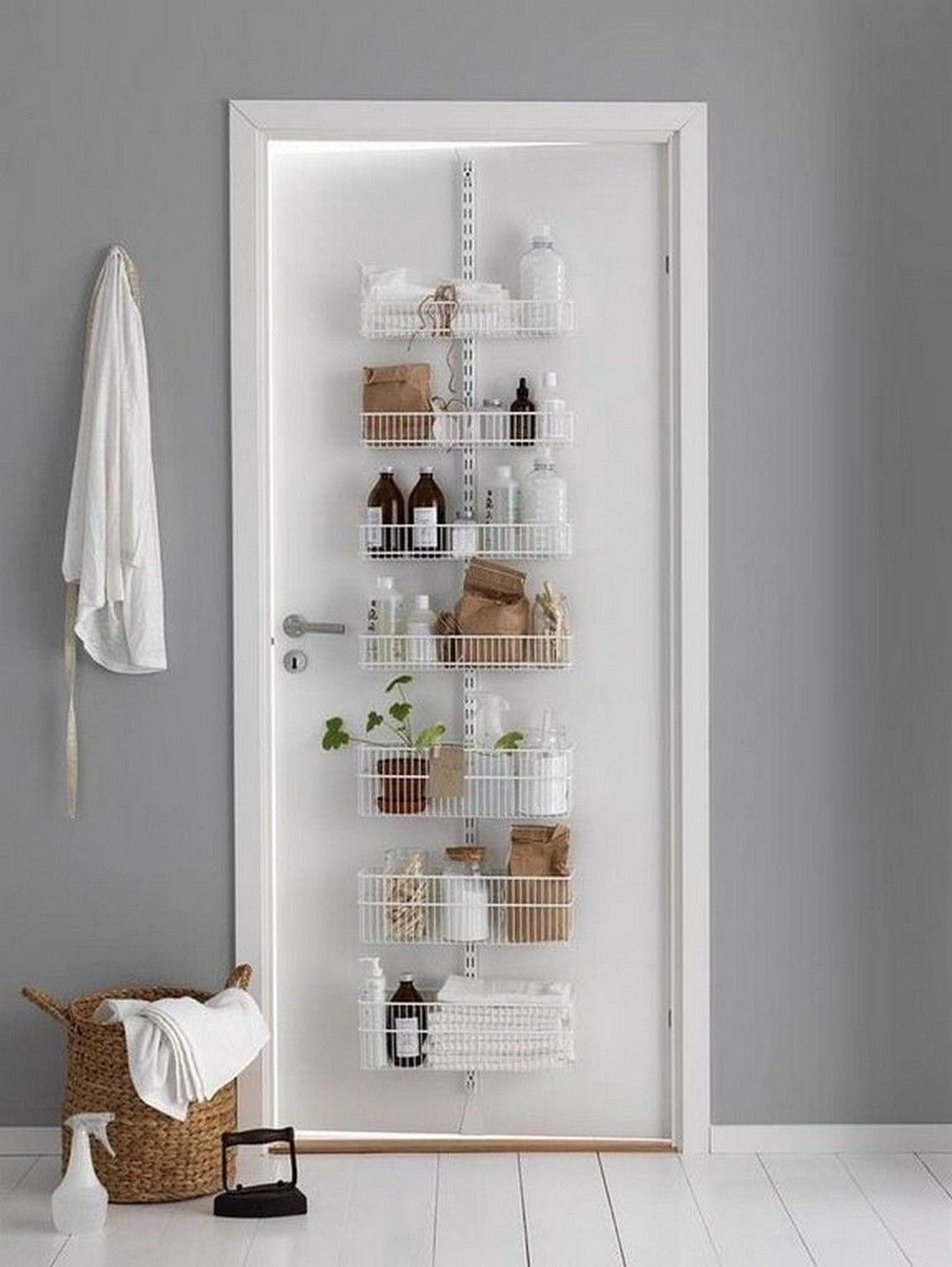 Beautiful First Home Decorating Ideas On A Budget: This Post Focuses On Small Bathroom Organizing Ideas And Simple Bathroom Storage Solutions Http