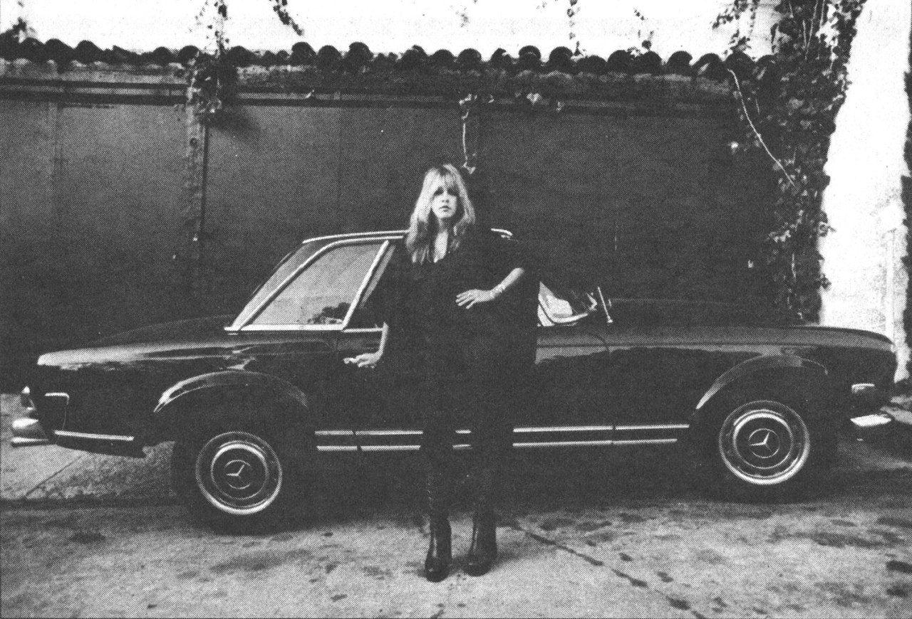 Photo of Stevie Nicks - car