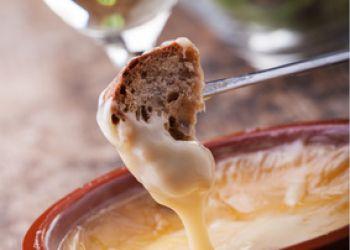 La véritable recette de la fondue savoyarde