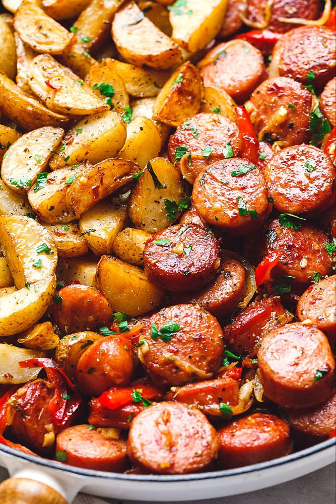 20-Minute Smoked Sausage and Potato Skillet #sausagepotatoes