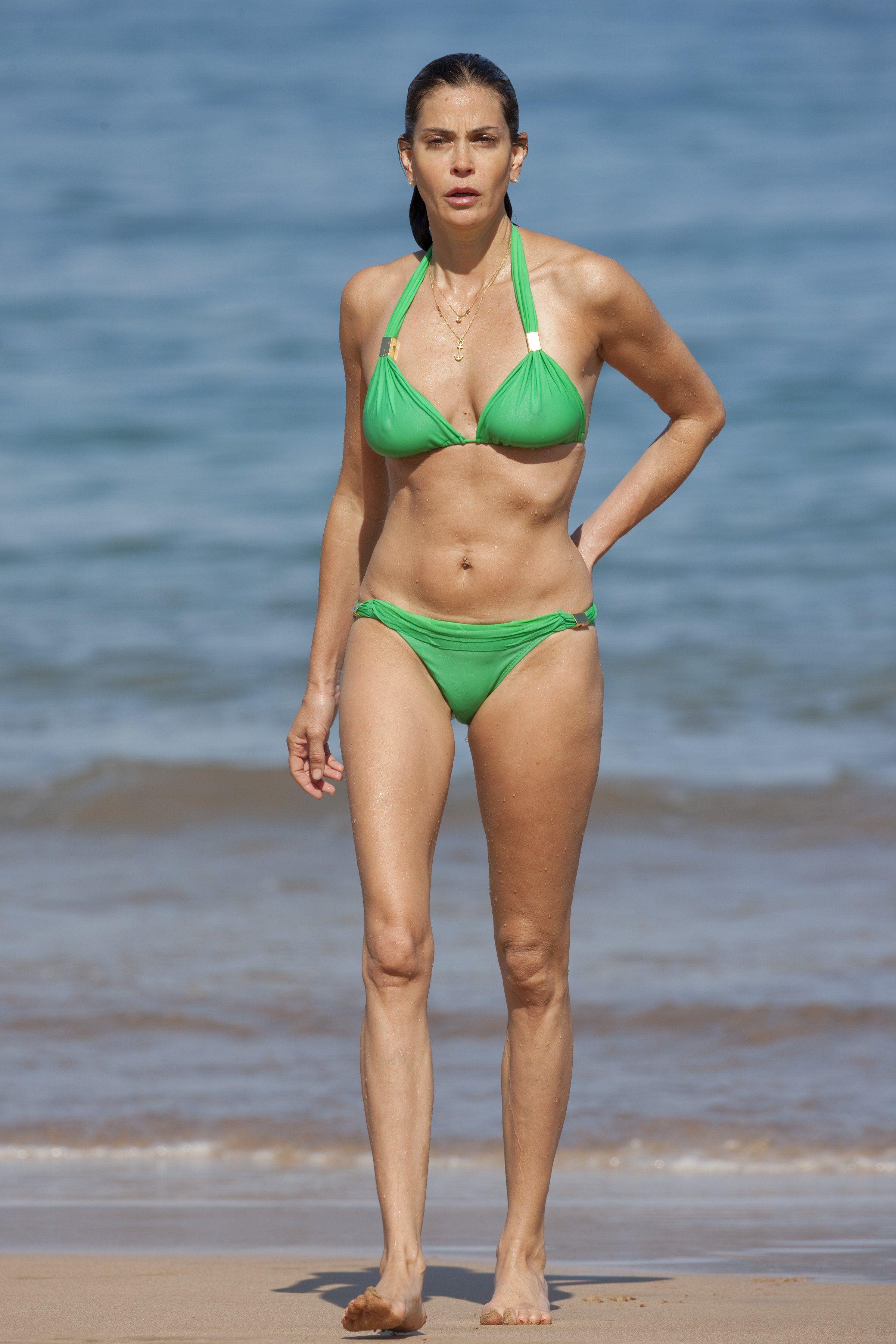Bikini hatcher pic teri