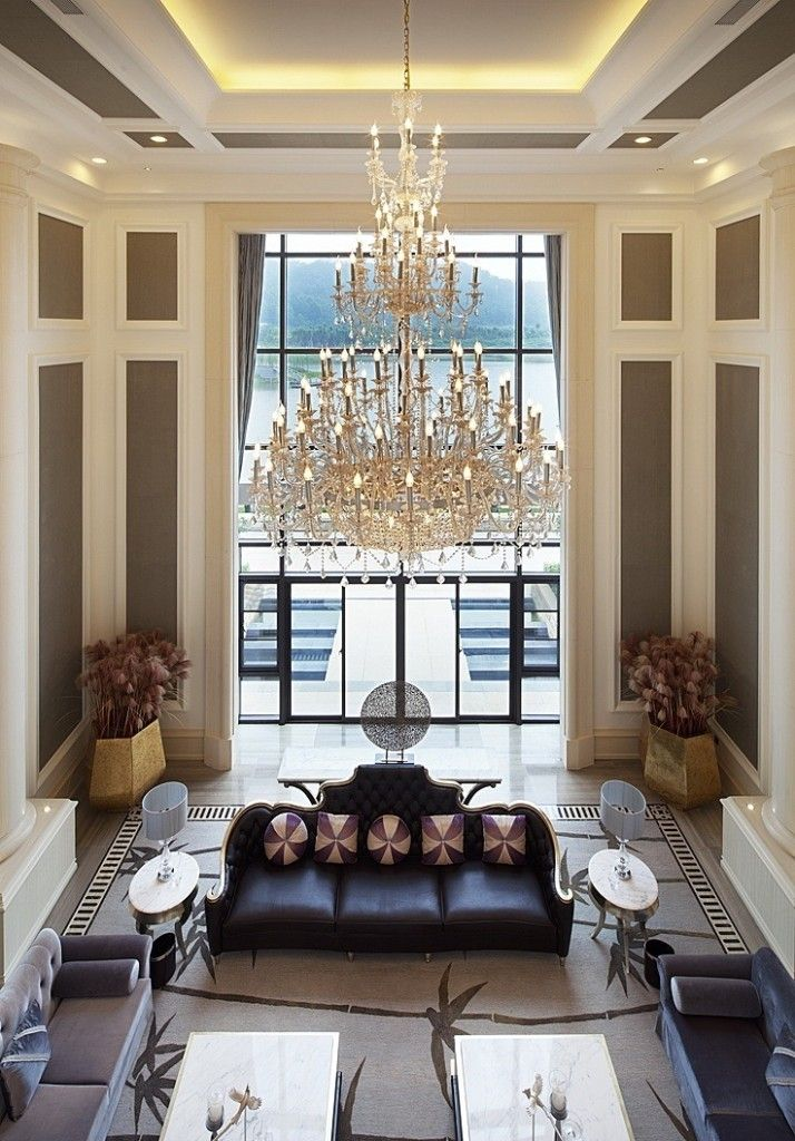 25 Living Room Designs With Tall Ceilings High Ceiling Living Room Luxury Living Room Living Room Colors