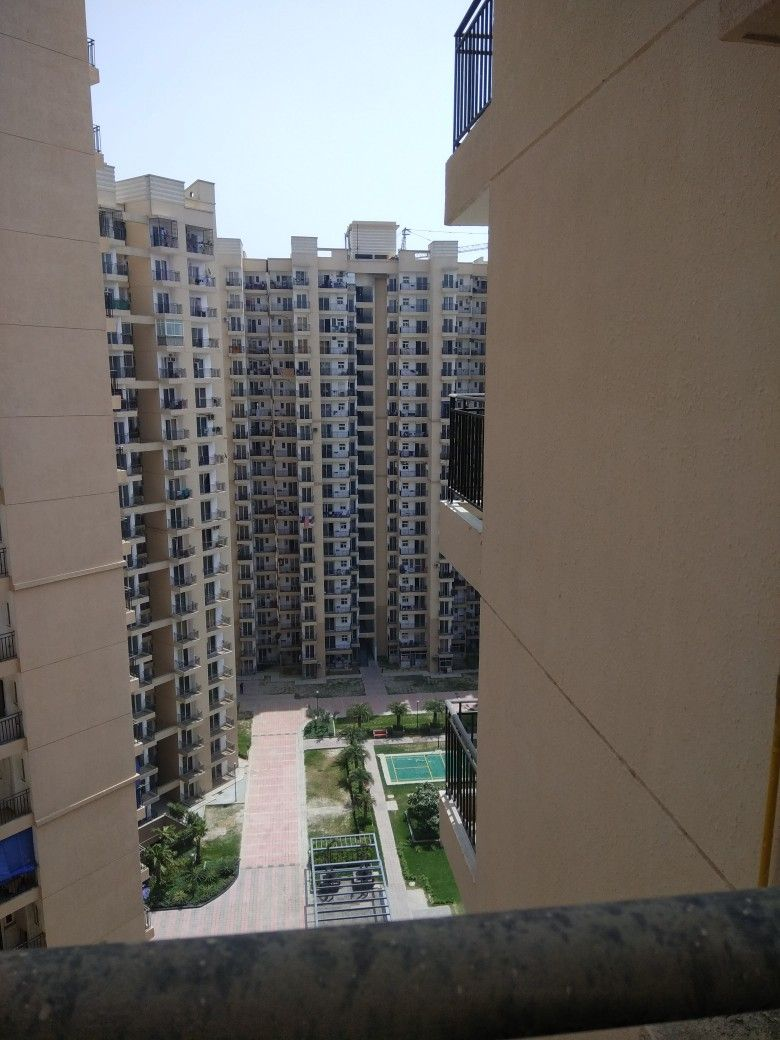 Nirala Estate Tech Zone 4 Greater Noida West Www Niralaestate Properrybaazar Com Skyscraper Estates Greater Noida
