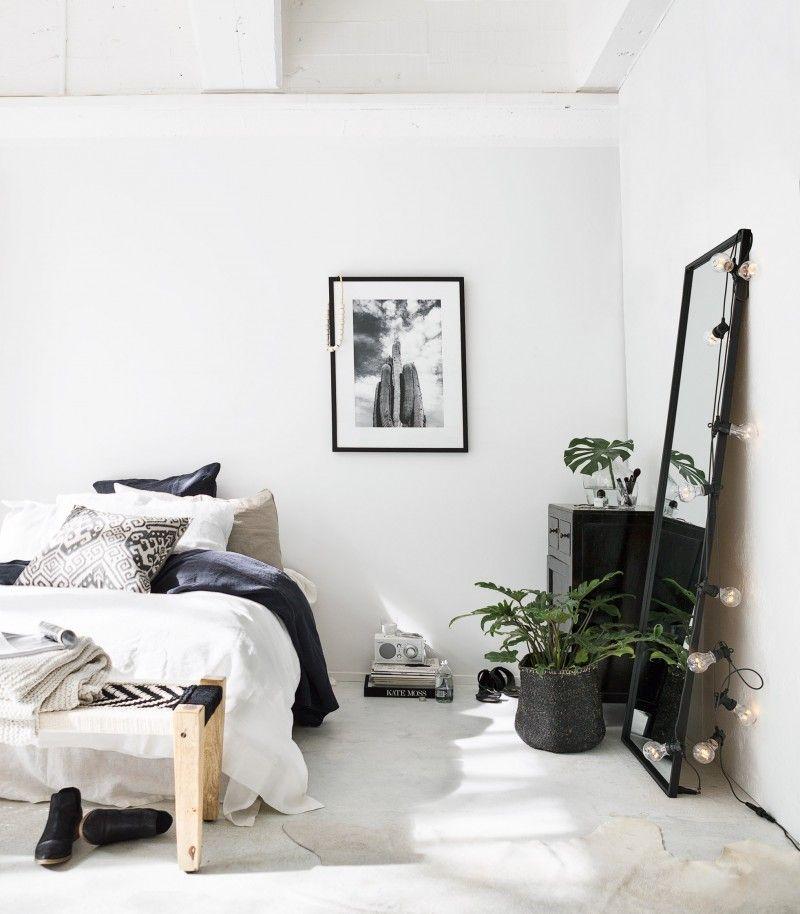15x Spiegel naast het bed