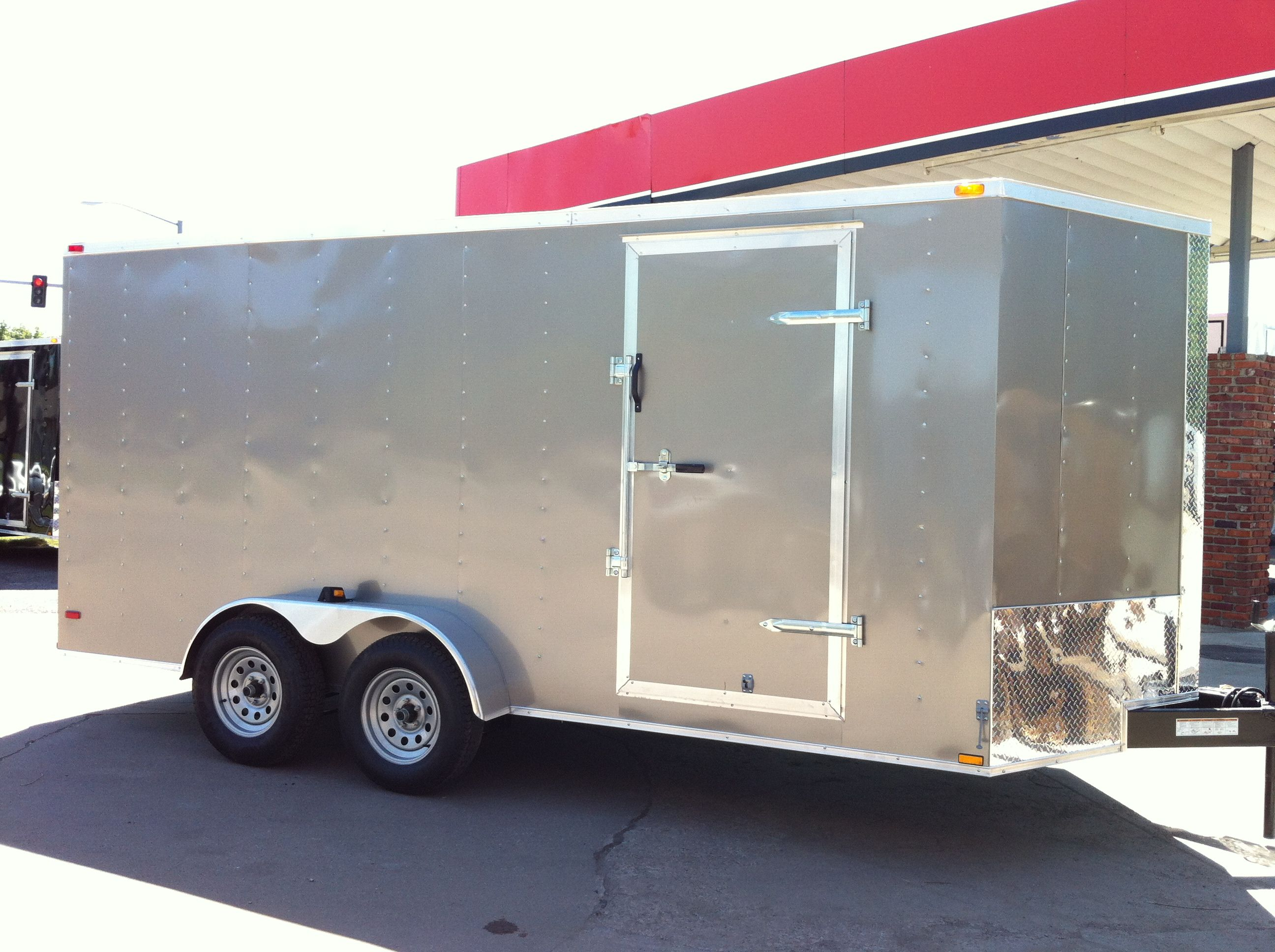 7x22 Enclosed V Nose Drive In Drive Out Car Hauler