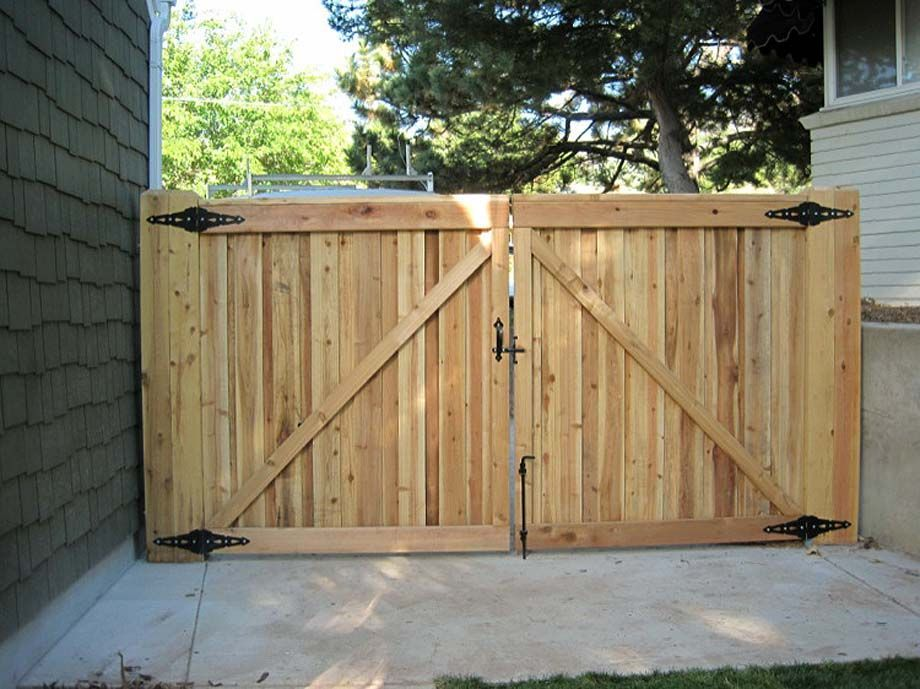8 Enthralling Garden Fence Tall Ideas Front Yard Fence Backyard Fences Fence Landscaping