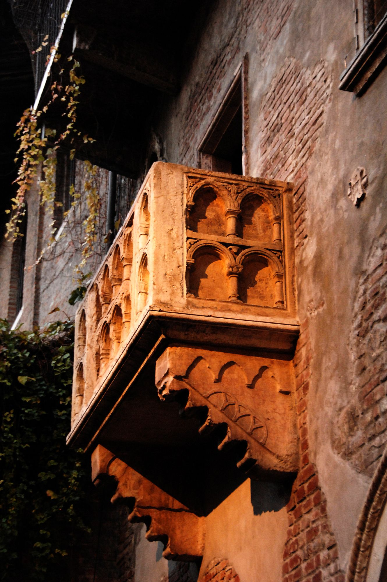 Verona. Could that be fair Juliet's balcony?