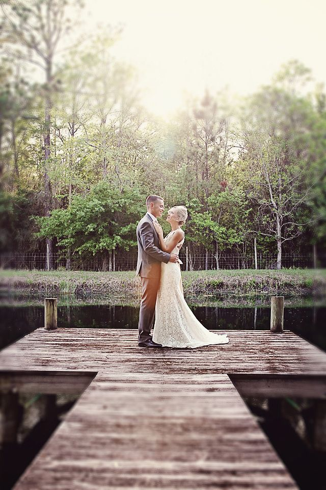 rustic barn wedding in North Florida by Christina Karst Photography via Floridian Weddings