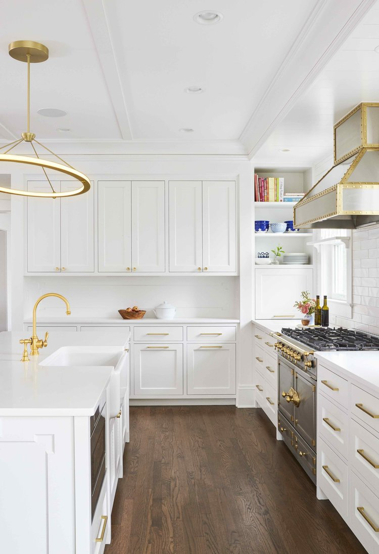 How To Design A Luxurious White And Gold Kitchen Gold Kitchen Kitchen Flooring Kitchen Design