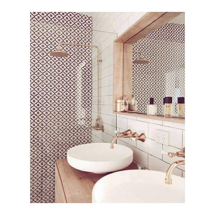 """@atelierdesdetailshome on Instagram: """"🛁 . . . #decoraciondeinteriores #interiorstylist #interiorsinspo #homedecorinspo #homedecorlover #interiorspaces #casasconestilo…"""""""