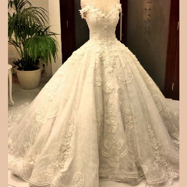 Vestido De Noiva Luxurious Ball Gown Arab Muslim Wedding Dresses With Flowers Appliqued Lace 2017