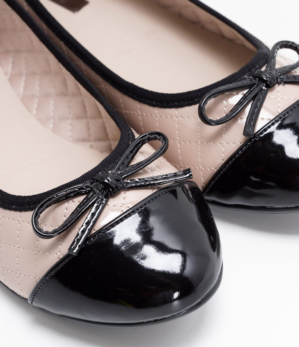569e797ef Sapatilha Feminina Verniz Marca: Moleca Material: Sintético COLEÇÃO INVERNO  2017 Veja outras opções de sapatos femininos.
