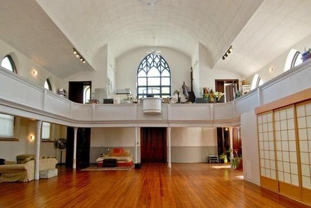 5 churches transformed into homes churches 2 homes chapel conversion church conversions house. Black Bedroom Furniture Sets. Home Design Ideas