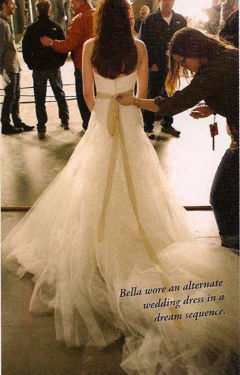 0cc322fec9e Bts pic of Kristen wearing Bella s  nightmare wedding  dress.  BD1