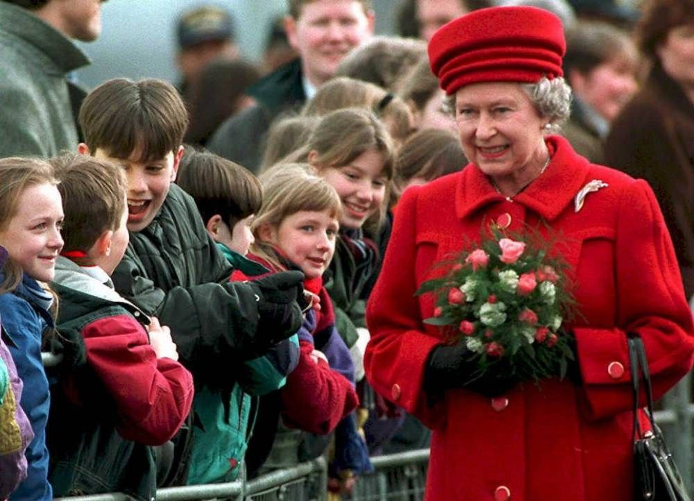 64 pictures show the Queen in every year of her record reign