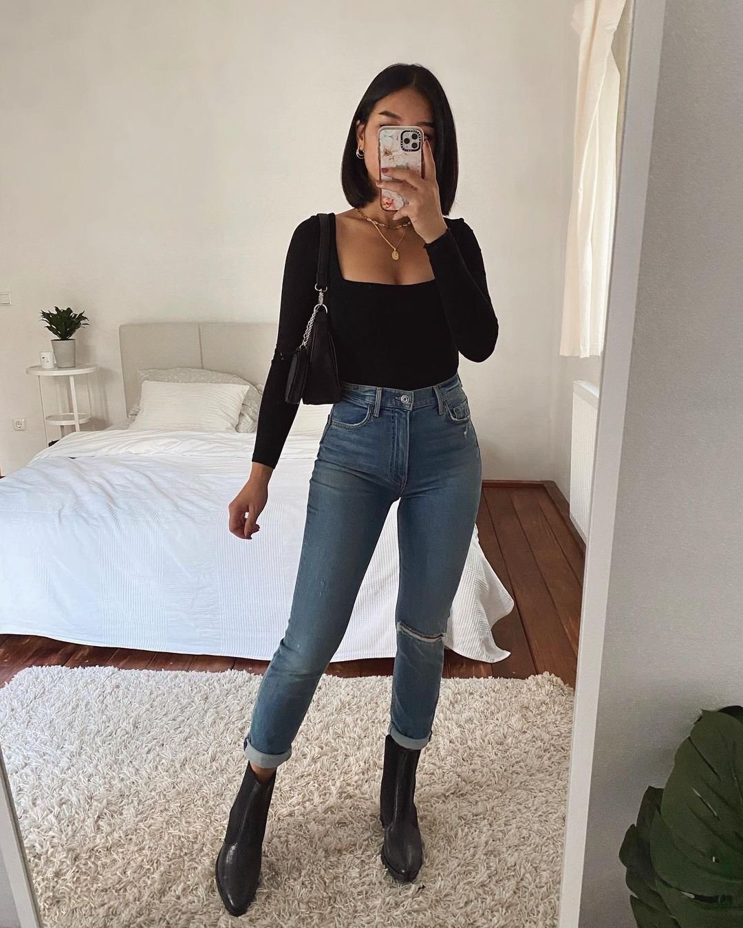 """Thanya W. on Instagram: """"Would you wear this outfit? YES or NO? 🖤 Anzeige : Bodysuit & Jeans from @revolve #revolveu"""""""