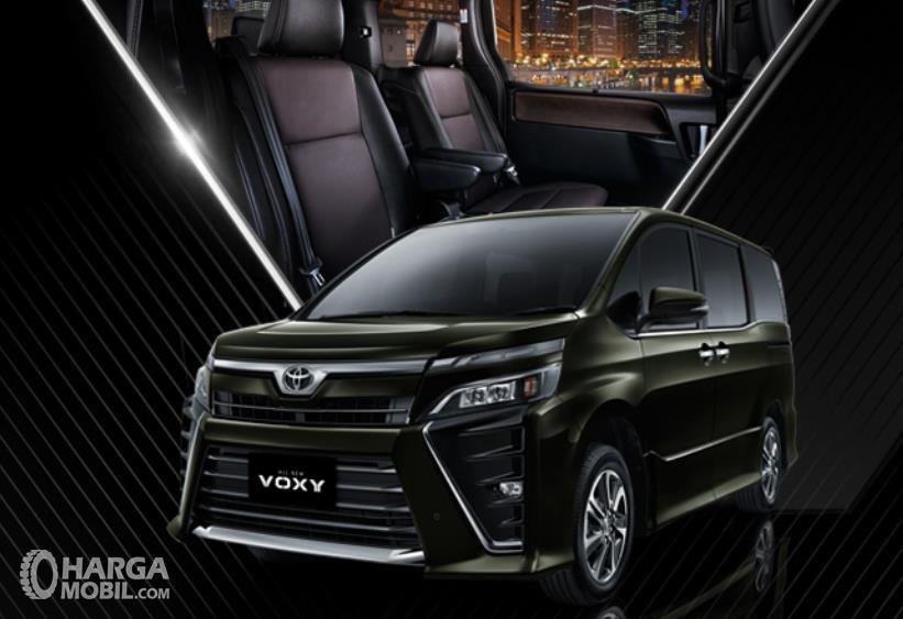 Daftar Harga Toyota Voxy Mobil Mpv Dengan Pilihan Warna Yang Banyak Diminati Mobil Mpv Mobil Toyota