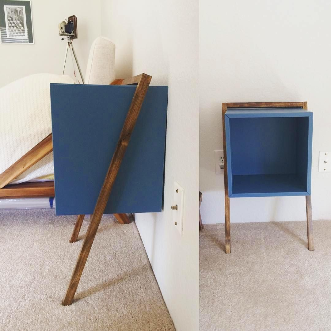 "186 mentions J'aime, 1 commentaires - IKEA_Hackers (@ikeahackers) sur Instagram: ""벽에기댄 1칸짜리 함, 각목으로 다리만 새로 만들었네요! @lookylouk ・・・ New $30 #nightstand #ikeahack"""