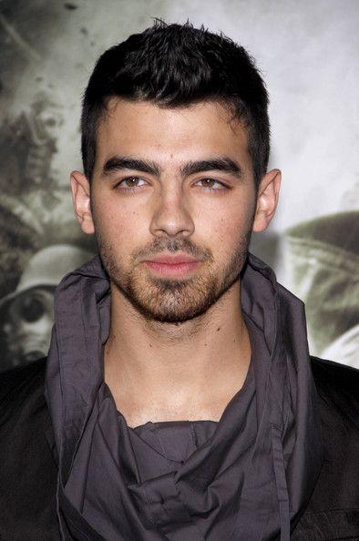Joe Jonas Spiked Hair Trendy Short Haircuts Mens Hairstyles Short Mens Haircuts Short