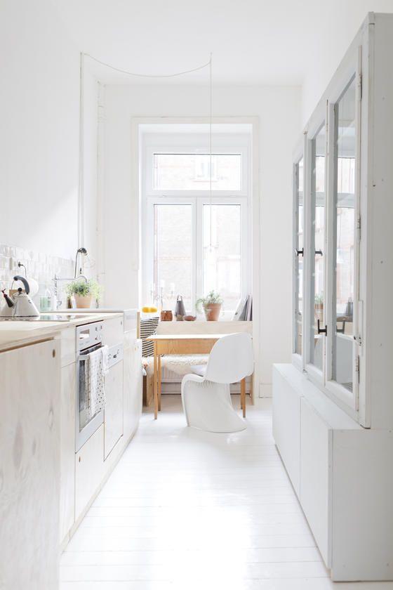 Dunkle Räume • Bilder & Ideen | Schmale küche, Altbauten und Schmal