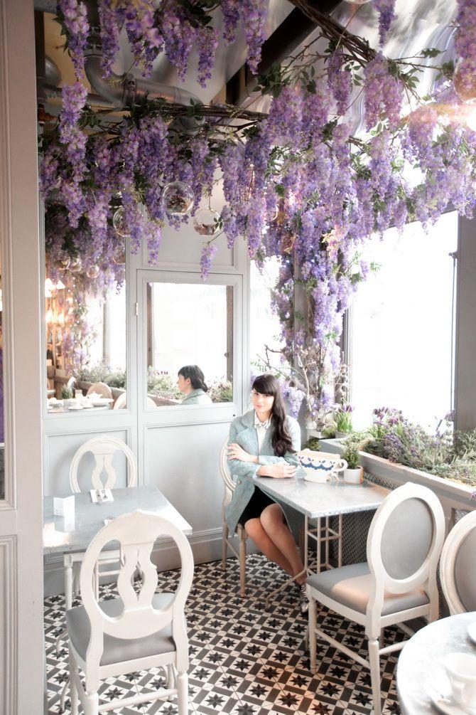 Hidden Little Corner At The Aubaine Restaurant In The Selfridges Department Store Design De Cafe Salon De The Salle De Loisirs
