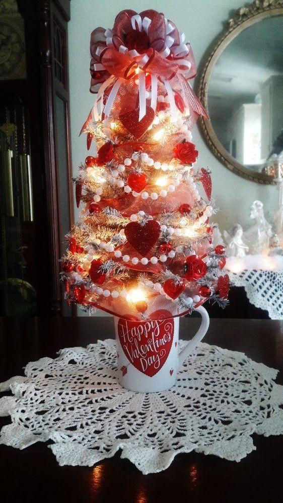 Happy Valentine\u0027s Day Tree~Red  White~Hearts/Flowers~18\