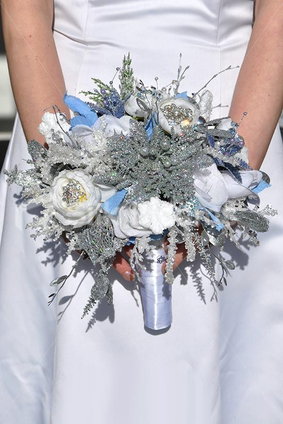 silver white and blue wedding bouquet - Google Search | ramos ...