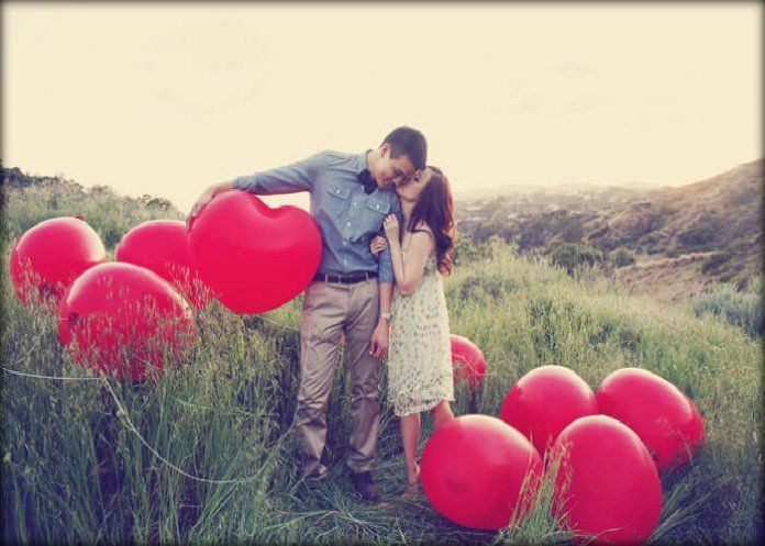 7 Valentine S Day Couple Photoshoot Ideas With Awesome Props