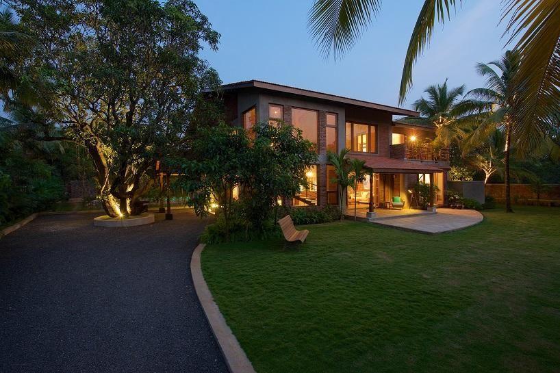 maison l 39 architecture organique m lange de tradition et. Black Bedroom Furniture Sets. Home Design Ideas