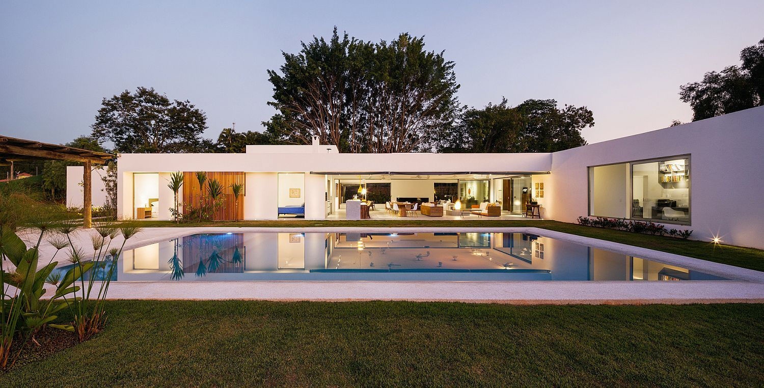 L Shaped Family Home Charms With A Stunning Private Courtyard And Pool L Shaped House House House Exterior