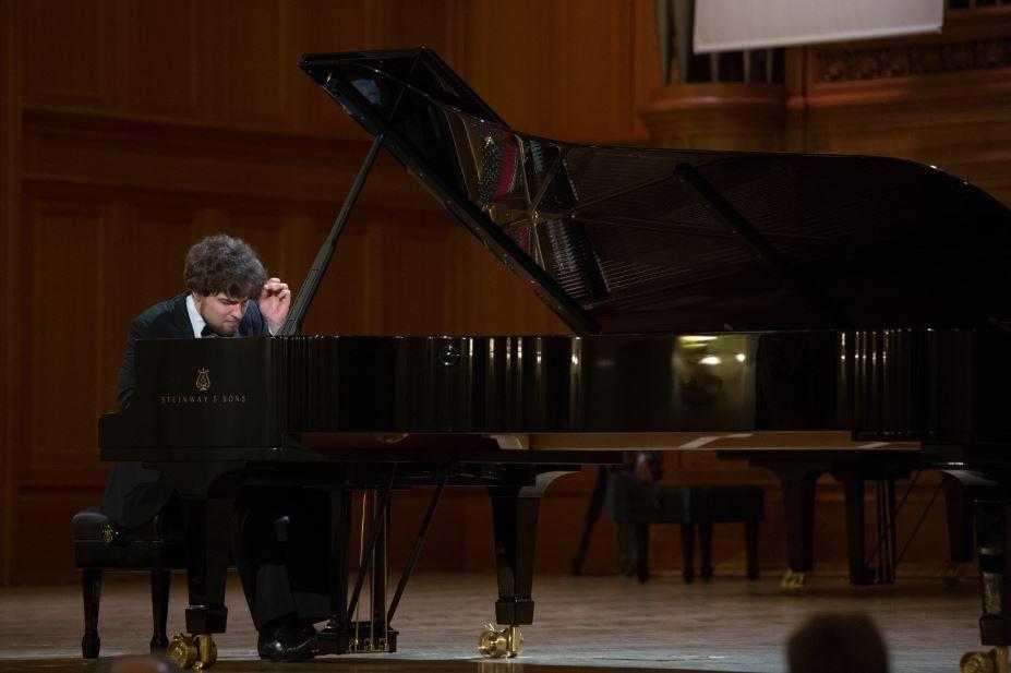 Lukas Geniušas plays Bach, Beethoven, Tchaikovsky, Rachmaninov, Chopin & Liszt – XV International Tchaikovsky Competition, 2015, Piano / Round 1