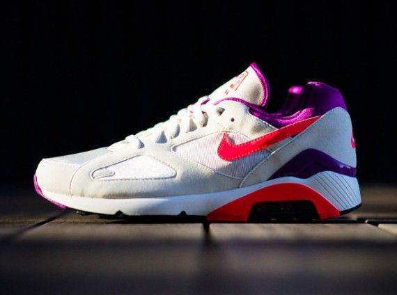f2a43cee66e nike air max 180 white crimson magenta release 01 570x424 Nike Air Max 180 Summit  White Laser Crimson Bright Magenta
