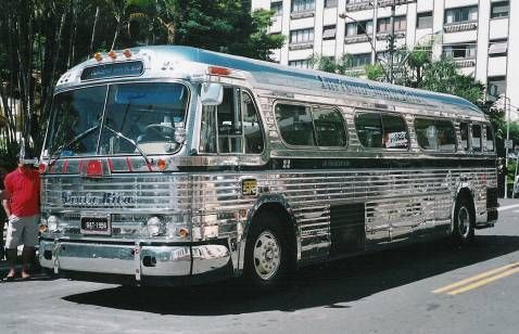 American Old Bus Usa With Images Greyhound Bus Bus Coach Bus