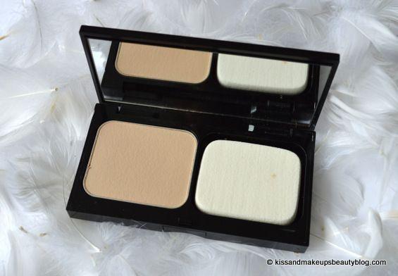 tasteandcraze.com_Top 5 Powder Foundations For Oily Skin