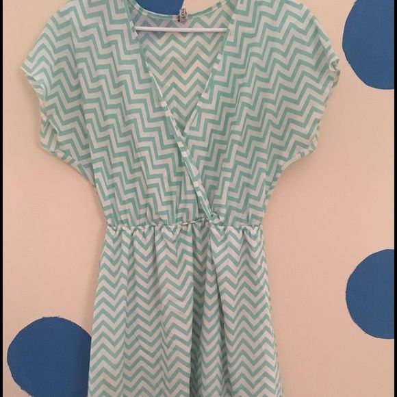 Chevron Dress Cute Chevron dress perfect for a Spring picnic! Dresses Midi