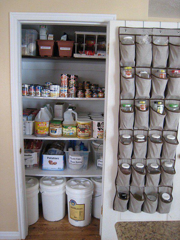 15 Trucos Para Aprovechar Al Máximo El Espacio De Tu Cocina Almacenamiento De Despensa Alacenas De Despensa De Cocina Gabinetes De Despensa