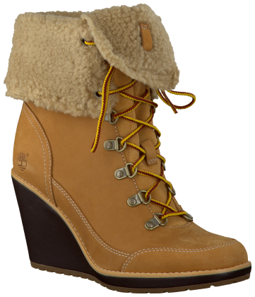 #Timberland wedge boots The ones with the beige heel tho..Their on Eastbay