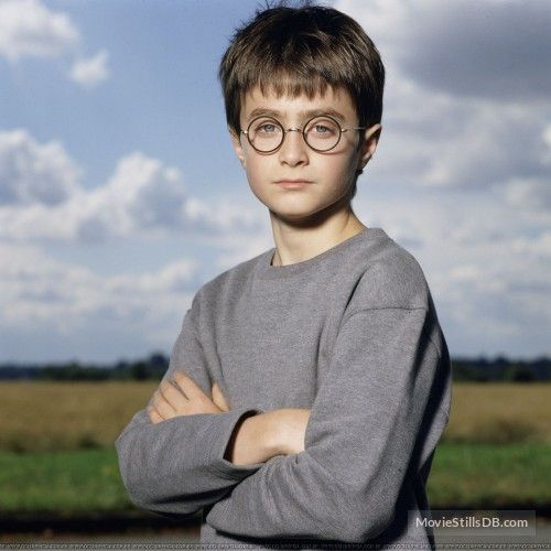 Harry Potter And The Sorcerer S Stone Promo Shot Of Daniel Radcliffe Daniel Radcliffe Daniel Radcliffe Harry Potter Harry James Potter