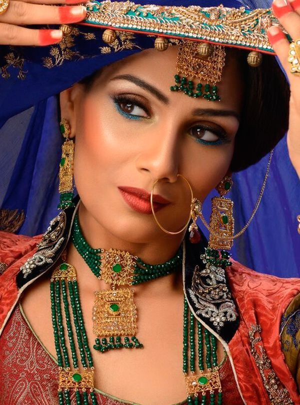 Shahnaz Has Been A Hair Makeup And Mehndi Artist For The Last 8 Years Beautifying Brides Across Uk