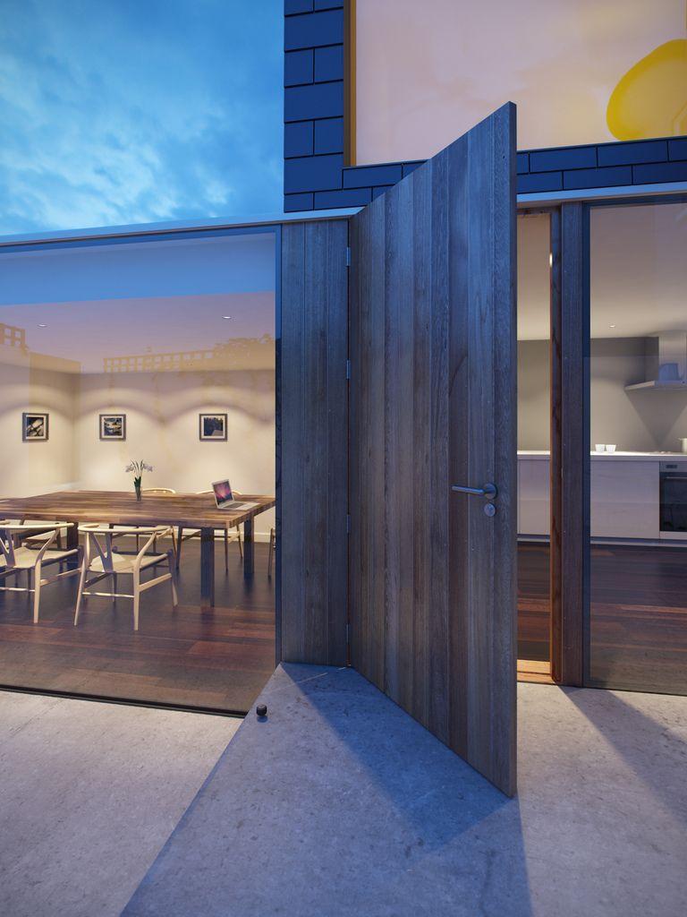 005 Dublin House Extension Dusk (by Daniel James Hatton)