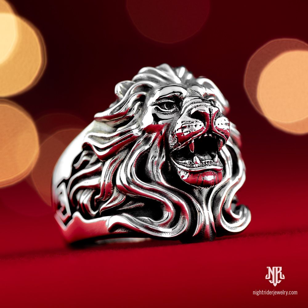 All I want for Christmas is…A ring as bold as the king of beasts