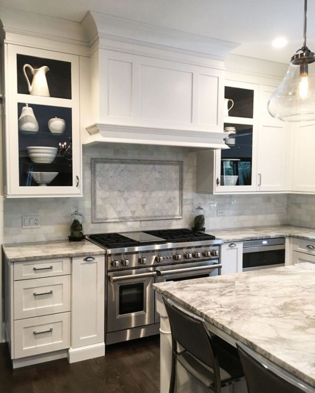 20 Charming Kitchen Cabinet Decorating Ideas For You Try