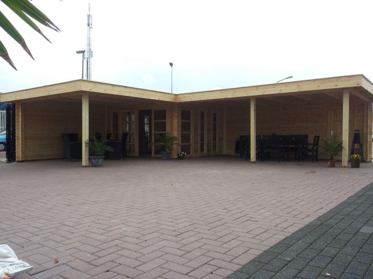 Moderne hoek tuinhuis blokhut s sander met plat dak en luifels