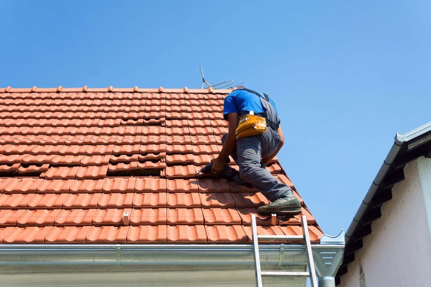 How Much Did it Cost to Replace Your Roof? | Roof repair ...