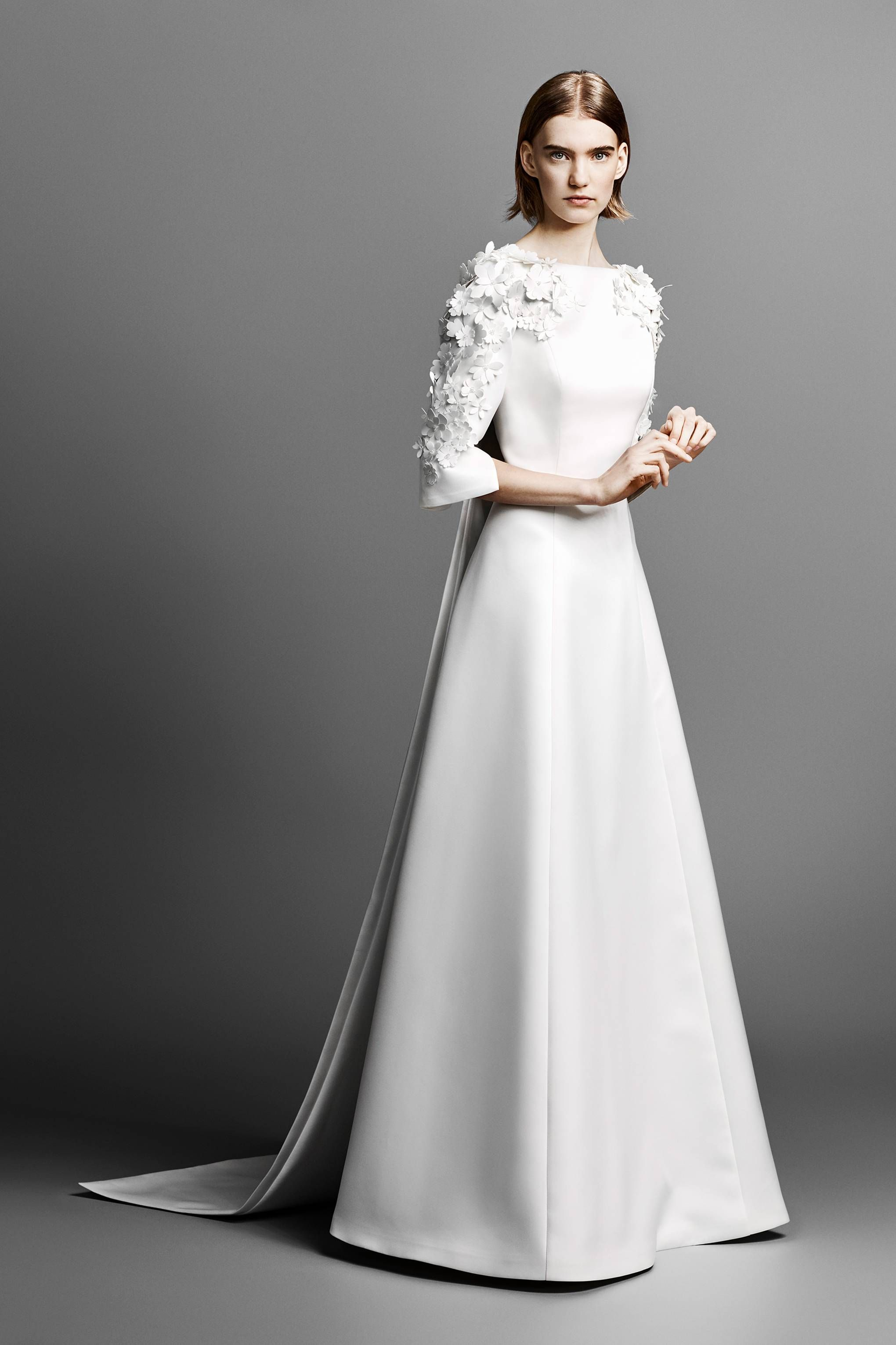 692064dd983 Viktor   Rolf Spring Summer 2019 Bridal Collection